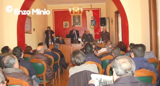 Burgio: 22 sindaci della provincia chiedono un incontro urgente con Crocetta per bloccare i commissari per la consegna delle reti idriche