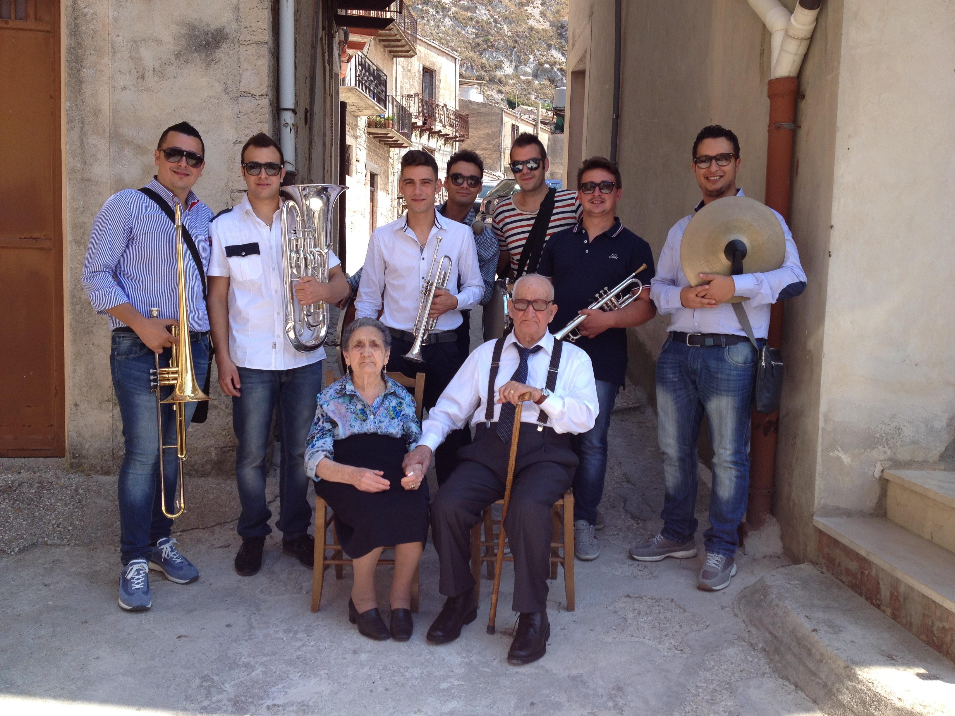 Caltabellotta centenario Mariano Grisafi con banda