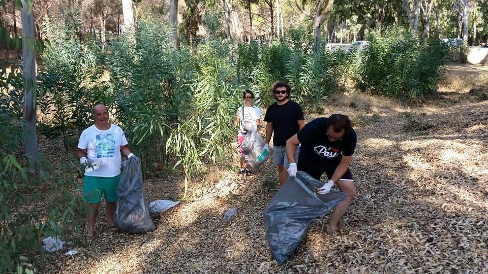 Montallegro volontari puliscono bosco Bovo Marina 2