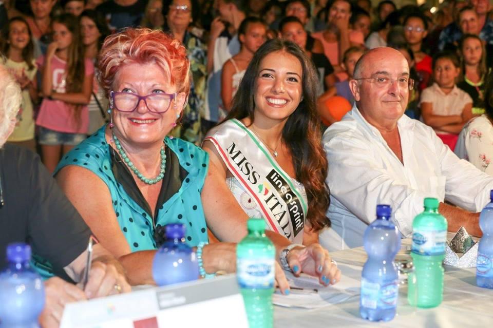 NELLA FOTO, A FIANCO DI MISS ITALIA 2014 CLARISSA MARCHESE, IL SINDACO RIO NELL'ELBA CLAUDIO DE SANTI ( presidente di giuria) E FRANCA ROSSO, IMPRENDITRICE (segretaria di giuria)