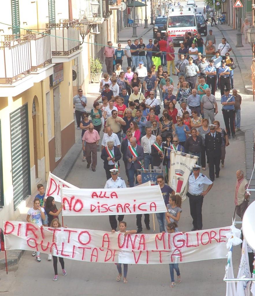 sciopero contro discarica