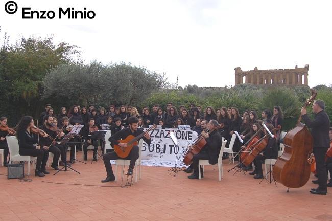 Concerto del Toscanini nella Valle dei templi 2 FOTO MINIO