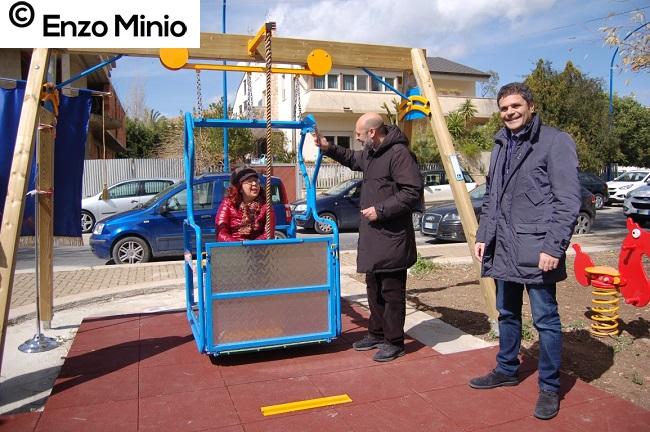 altalena Giusy don Giuseppe e Montalbano FOTO MINIO