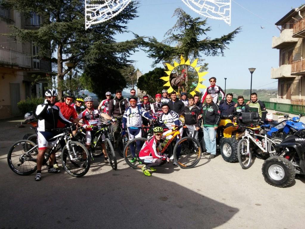 Ciclisti a S. Biagio Platani 1