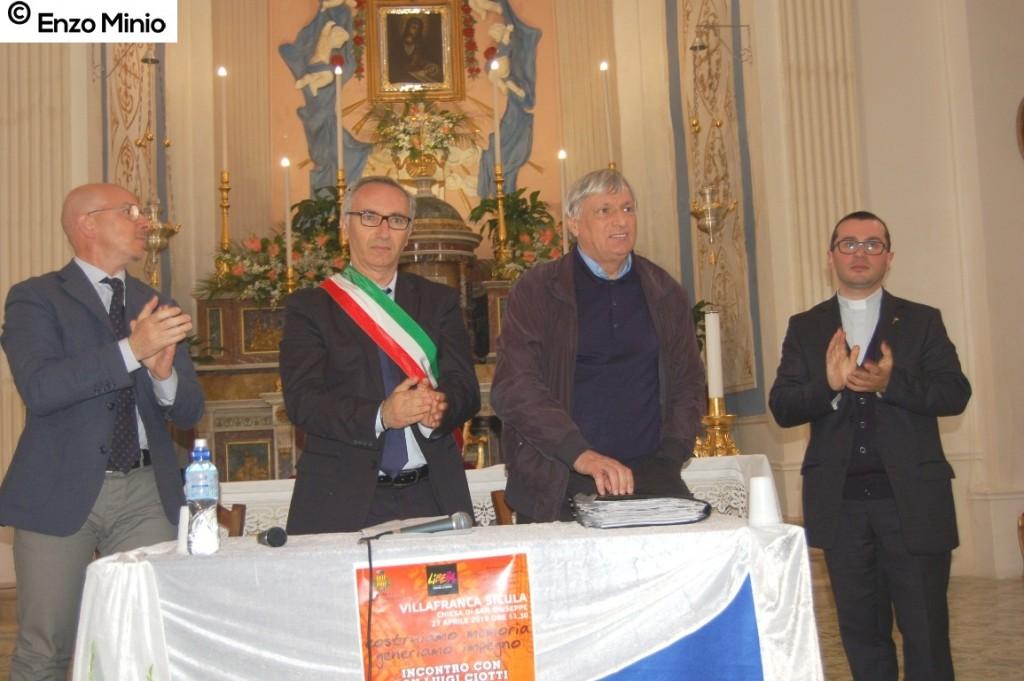 Villafranca Sicula  incontro con don Ciotti FOTO MINIO