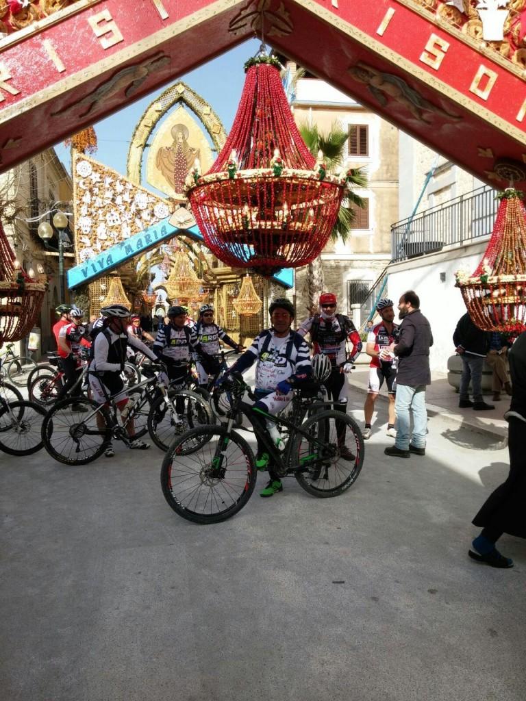 ciclisti a S. Biagio Platani 3
