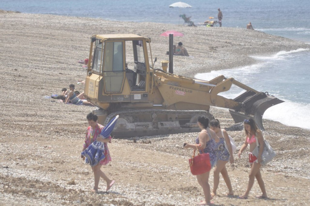 Seccagrande bagnanti e bulldozer 2 (2)