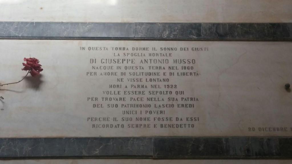Villafranca lapide tomba barone Musso
