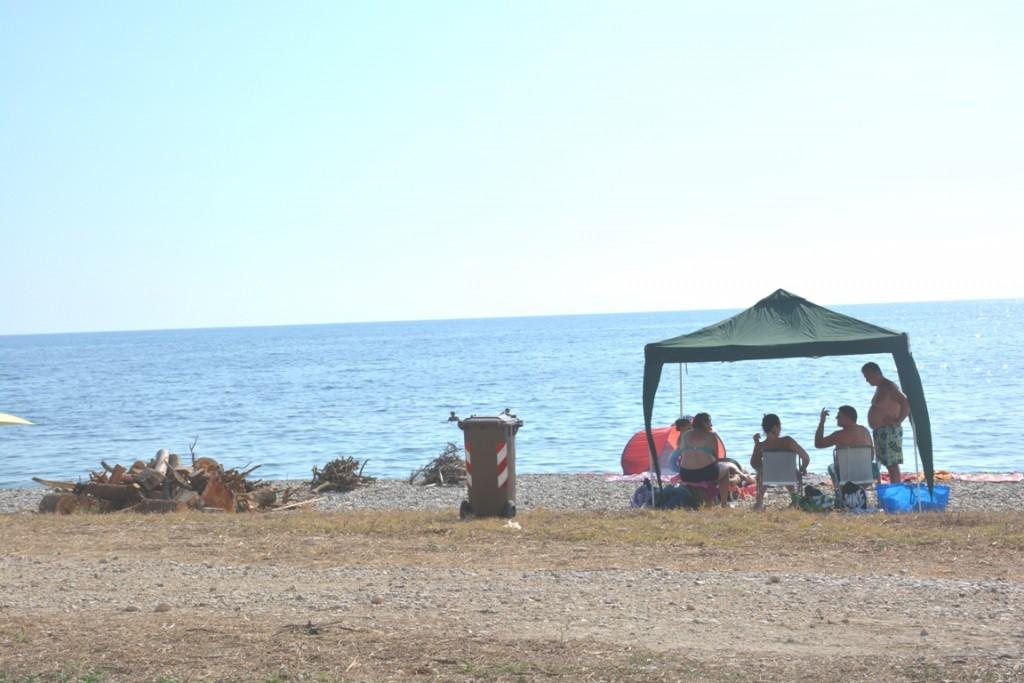 Seccagrande campeggiatori sulla spiaggia del Corvo