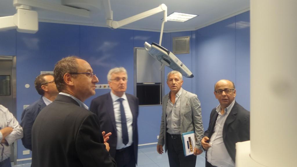 Ribera ospedale sale operatorie. Al centro assessore Gucciardi