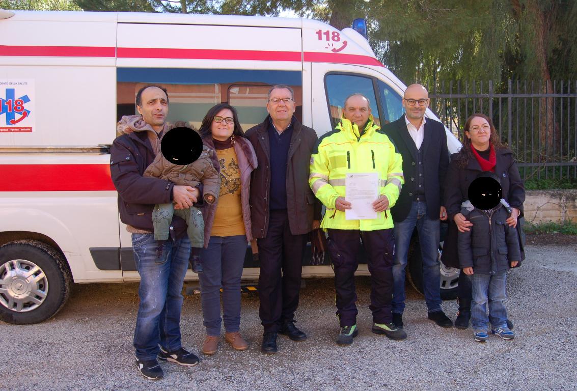 Siculiana Consegna attestato a soccorritore 118 Siracusa da parte del presidente Montalbano